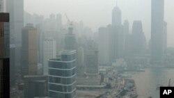 Polusi udara di Hong Kong (foto: dok). Pertumbuhan cepat kota-kota besar di Asia mengakibatkan peningkatan tajam polusi, perkampungan kumuh, dan kesenjangan sosial.