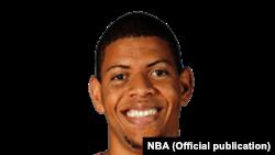 """Walter """"Eddy"""" Tavares, cabo-verdiano na NBA"""