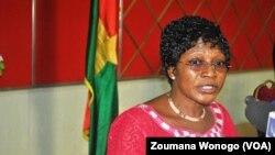 Natalie Somé,présidente du Conseil supérieur de la communication (CSC) à la signature du code de bonne conduite par les candidats à la présidentielle du 11 octobre 2015, à Ouagadougou, Burkina Faso, 21 aout 2015