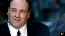 """Džejms Gandolfini na premijeri novih epizoda serija """"Porodica Soprano"""" 27. marta 2007. u Njujorku"""