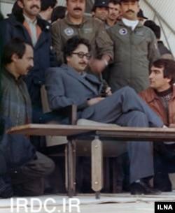 آقای بنی صدر اولین رئیس جمهوری ایران در سالهای ۵۸ تا ۶۰ بود.
