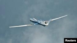 Máy bay trinh thám không người lái MQ-4C Triton