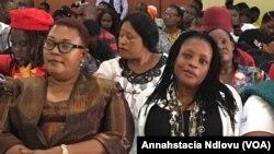 UDr. Thokozani Khupe lo NkosazanaPriscilla Misihairabwi-Mushonga.