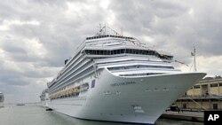 Tàu du lịch Costa Fascinosa, trị giá 670 triệu đôla, có sức chứa 3.800 hành khách hiện là tàu du ngoạn mang cờ Italia lớn nhất