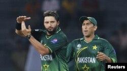 دونوں سابق کپتان شاہد آفریدی اور یونس خان کو بھی نوٹس جاری کیے گئے۔