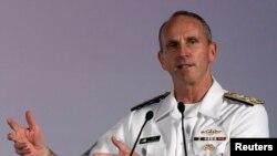 Đô đốc Greenert nói rằng Hải quân Hoa Kỳ cam kết hoàn toàn với chiến lược tái cân bằng Á châu.