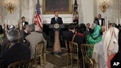 Президент США Барак Обама на ифтаре – ужине, организованном в Белом доме по случаю исламского священного месяца Рамадан.