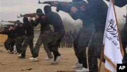 عکس آرشیوی از پیکارجویان گروه اسلامگرای احرار الشام در سوریه - آبان ۱۳۹۲
