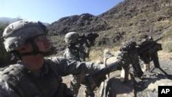美国军人在阿富汗(资料图片)