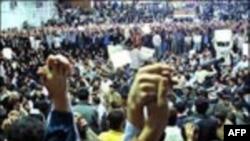 وقايع روز: علت تظاهرات دانشجويان و چند خبر ديگر