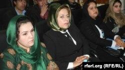 افغان سواداګرې میرمنې په کابل کې د یوه کنفرانس پر مهال