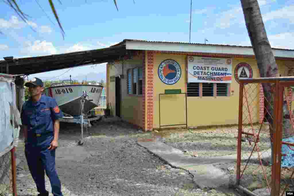 Commander Rojelio Casupang heads this Philippine Coast Guard office along the South China Sea coast, Masinloc, Zambales Province, March 24, 2014. (Simone Orendain/VOA)