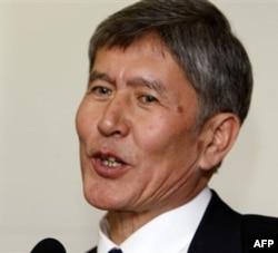 """""""Sotsial-demokratlar"""" partiyasi rahbari Almazbek Atambayev"""