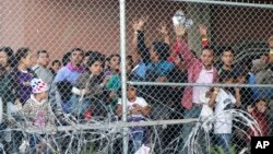 Migranti iz Centralne Amerike u El Pasu, Teksasu