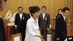 韩国总统朴槿惠6月10日在首尔的总统府