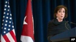 Nuevamente, Roberta Jacobson sostendrá conversaciones con Josefina Vidal en La Habana.