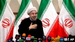 Presiden terpilih Iran, Hasan Rouhani, dalam sebuah konferensi pers di Teheran, Iran (Foto: dok).