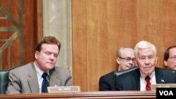 20일 상원 아시아 관련 청문회에 참석한 짐 웹 상원 외교위 아·태 소위원장(왼쪽)과 리처드 루거 외교위 공화당 간사.