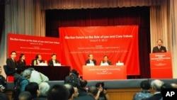 百多位法律界選委及公眾人士出席討論香港法治及核心價值的行政長官選舉論壇