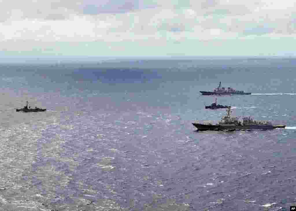 蘇祿海 (2011年7月5日) - 菲律賓海軍護衛艦與美國導彈驅逐艦聯合訓練