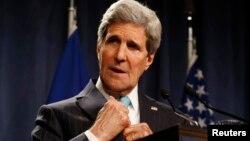 Ngoại trưởng Hoa Kỳ John Kerry nói chính quyền Obama sẽ áp dụng thêm các biện pháp chế tài nếu Nga không giữ lời hứa đã đưa ra hồi tuần trước là giúp giảm tình hình căng thẳng