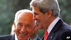 Ngoại trưởng Hoa Kỳ John Kerry và Tổng thống Israel Shimon Peres họp ở Jerusalem 23/5/13