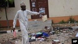 Hiện trường một vụ đánh bom ở Nigeria hôm 7/7/2015. Nhóm chủ chiến Boko Haram đang gia tăng các cuộc tấn công tại quốc gia này.