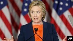 2일 미국 캘리포니아주 샌디에고 시에서 민주당 대선 경선에 출마한 힐러리 클린턴 후보가 연설하고 있다.