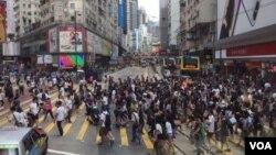 香港銅鑼灣商業區街景。 (美國之音記者申華 拍攝)