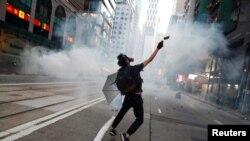 香港星期六(11月2日)多處地點爆發抗議