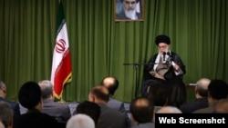 علی خامنه ای رهبر جمهوری اسلامی ایران در جمع نمایندگان مجلس - ۴ خرداد ۱۳۹۳