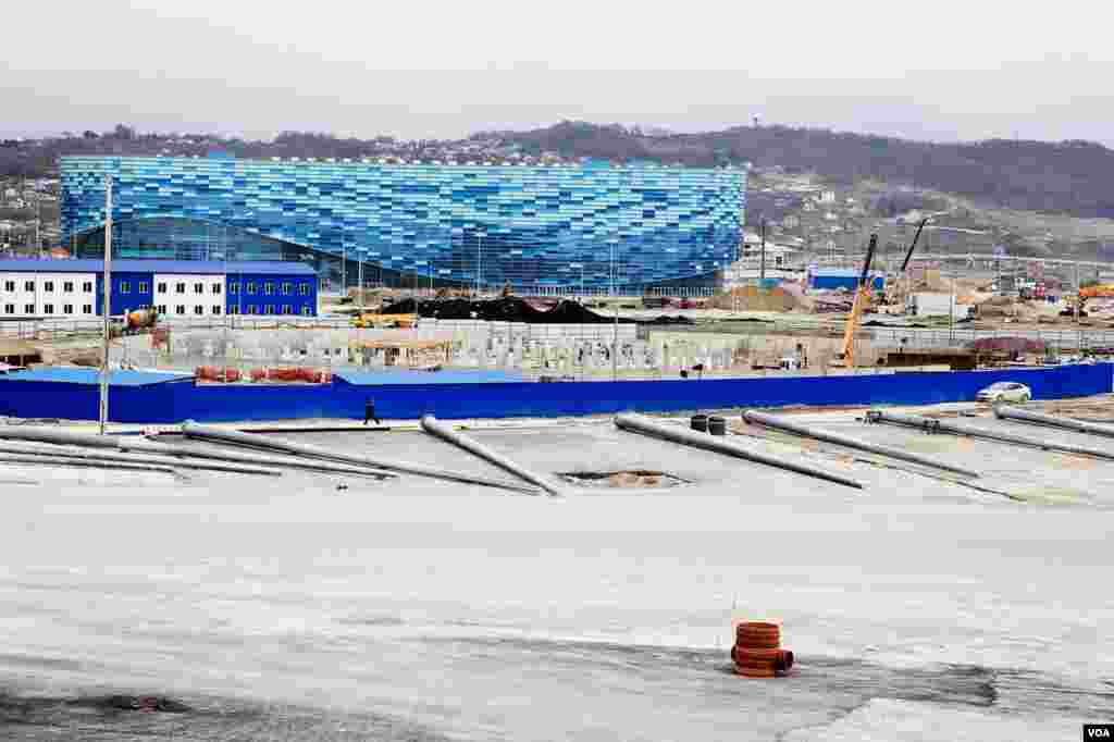 The Iceberg will host competitions of figure skating, a favorite sport of Russians, Sochi, Russia, March 15, 2013. (V. Undritz/VOA)