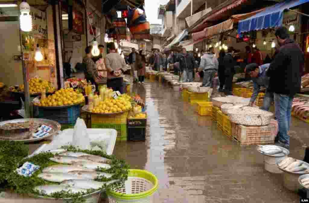 بازار ماهی فروشهای رشت عکس: ابوذر حمیدی
