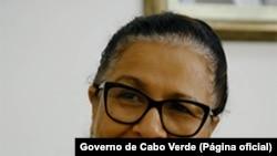 """Governo cabo-verdiano e cidadãos """"em confronto"""" devido a livro com erros - 2:15"""