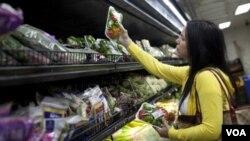 El FMI prevee que a inflación en Venezuela pudiera ser este año casi del 30 por ciento.