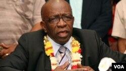 El comunicado de la FIFA asegura que Warner se dedicará a la vida política en su país natal, Trinidad y Tobago.