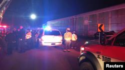 Спасатели на месте столкновения поездов. Лексингтон, Южная Каролина. 4 февраля 2018 г.