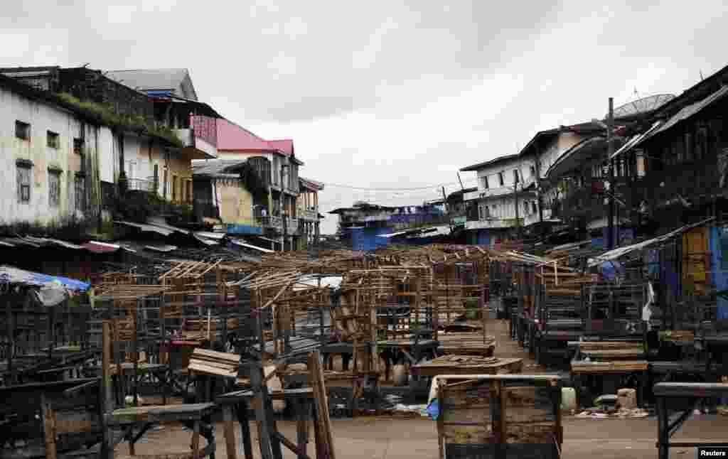 A marketplace stands empty in the West Point quarantined neighborhood of Liberia's capital Monrovia, Aug. 20, 2014.