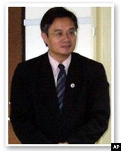 翁明贤, 台湾淡江大学教授