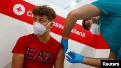 Tiêm chủng ngừa COVID-19 tại Ý