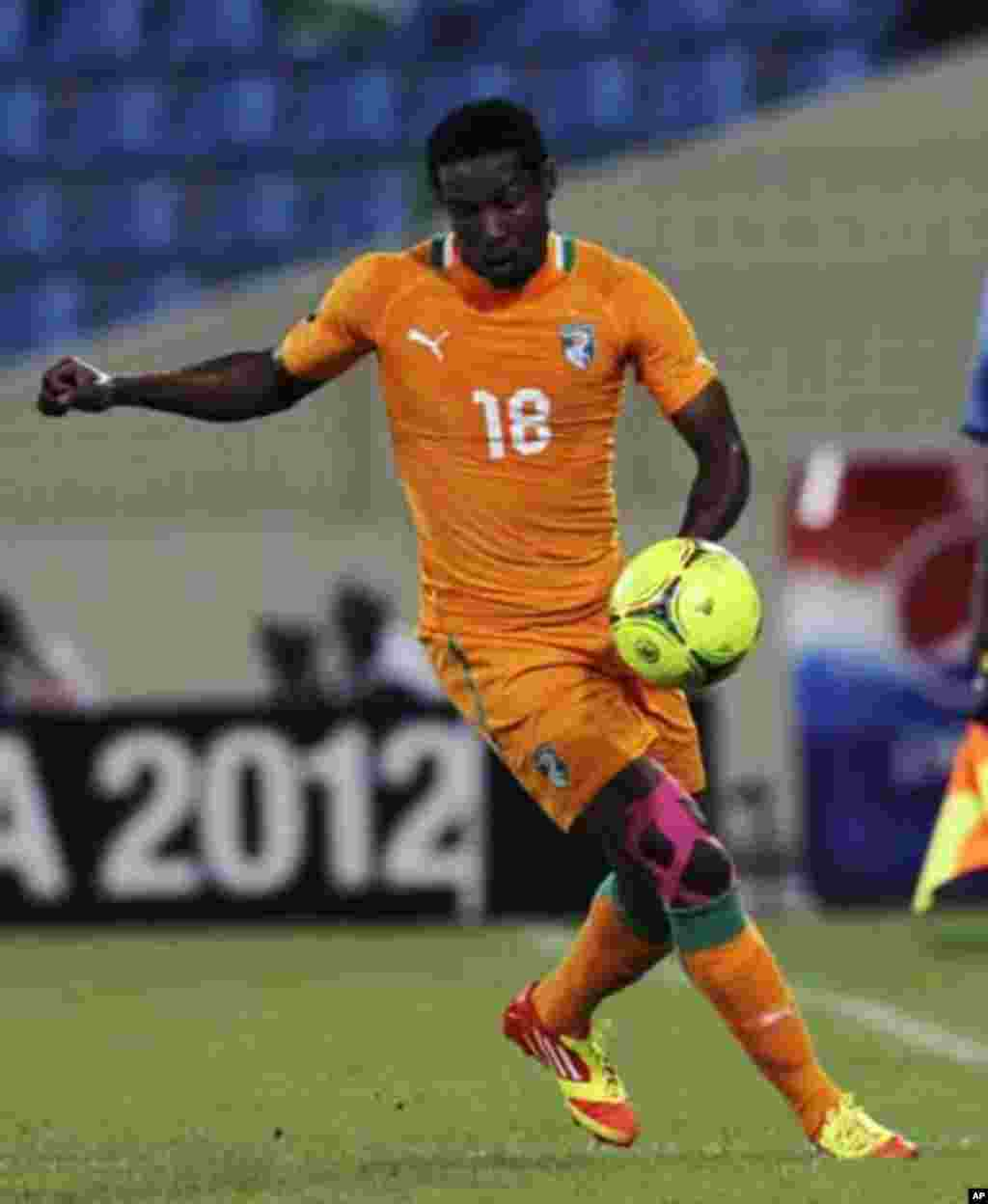 Abdul Kader Keita of Ivory Coast controls the ball during their African Nations Cup soccer match against Angola, in Malabo January 30, 2012.