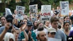 Manifestação na Universidade de Virginia.