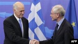 Grčki premijer Jorgos Papandreu i predsednik Evropskog saveta herman van Rompuj na sastanku u Briselu