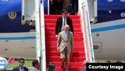 رئیس جمهور غنی در جریان این سفر با معاونین رئیس جمهور، رئیس مجلس سنا و شماری از تاجران اندونیزیایی دیدار میکند