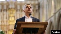Sadiq Khan, le nouveau maire de Londres, tient un discours à la cérémonie de prestation de serment, dans la cathédrale de Southwark, Londres, Grande-Bretagne, 7 mai 2016