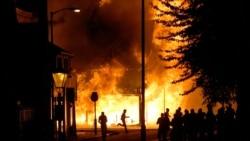 علت شورش جوانان بريتانيايی چيست؟