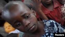 Une petite déplacée dans le Nord-Kivu
