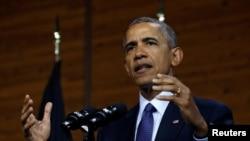 သမၼတ Barack Obama ဂ်ာမနီႏုိင္ငံ Hanover ၿမိဳ႕မွာ မိန္႔ခြန္း ေျပာၾကားေနစဥ္။