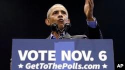 奧巴馬前總統在印第安納州的加里參加集會,為民主黨參議員唐納利站台。
