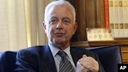 ທ່ານ Panagiotis Pikrammenos ນາຍົກລັດຖະມົນຕີຮັກສາຊົ່ວຄາວ ຂອງກຣິສ. ວັນທີ 17 ພຶດສະພາ 2012.